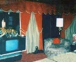 elvis bedroom pictures graceland elvis presley and bedrooms on pinterest