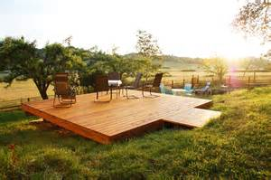 what is a freestanding deck and why would you want one