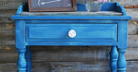 chalk paint youngstown ohio blue chalk painted table with pallet top hometalk