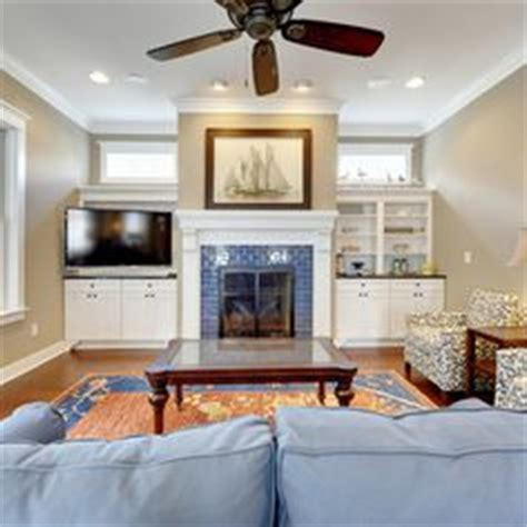 Decorating Ideas Next To Fireplace Fireplaces On Tv Built Ins And Mantles