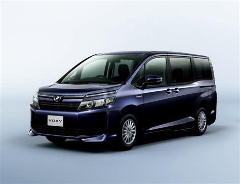 Toyota Foxy Toyota Voxy Specs And Prices Photo Autoevolution