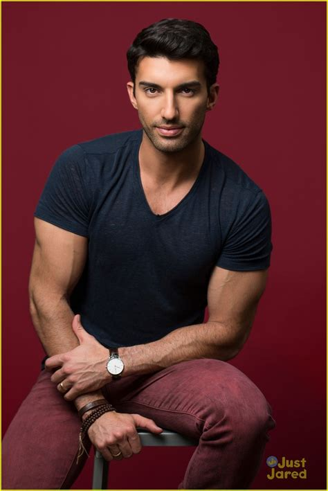 justin baldoni breaking news and photos just jared jr page 5 jennifer lawrence miley cyrus one direction justin auto