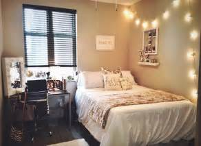 tiny room decor university of kentucky dorm room college pinterest cute dorm rooms small rooms and ideas