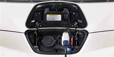 cerco lade a led nissan leaf auto elettriche auto elettrica nissan