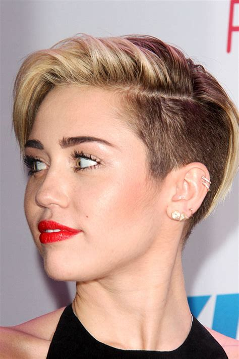 how to do miley cyruss hair in lol miley cyrus straight light brown side part undercut
