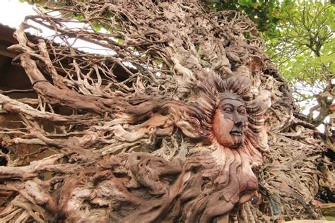 Pensil Kayu Orang Oleh Oleh Khas Bali ukiran kayu gianyar buah tangan eksklusif pemikat wisatawan indonesiakaya eksplorasi