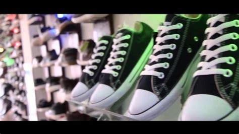 desain sepatu desain interior toko sepatu youtube