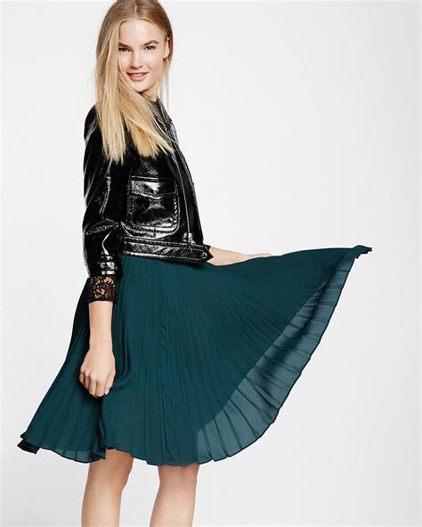 express high waisted pleated midi skirt in green lyst