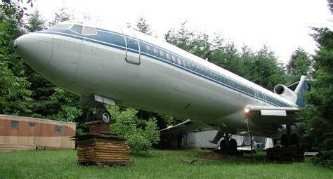 house plane oregon lives inside 727 airplane home in the middle of