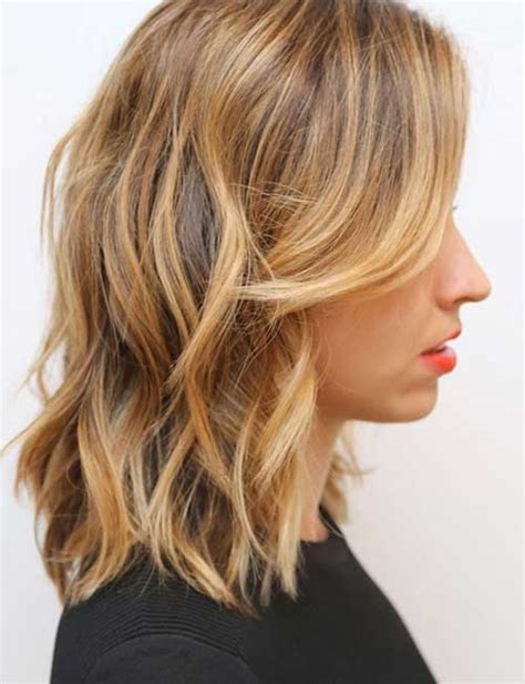 medium length hair with ombre highlights 30 cute hairstyles for wavy hair