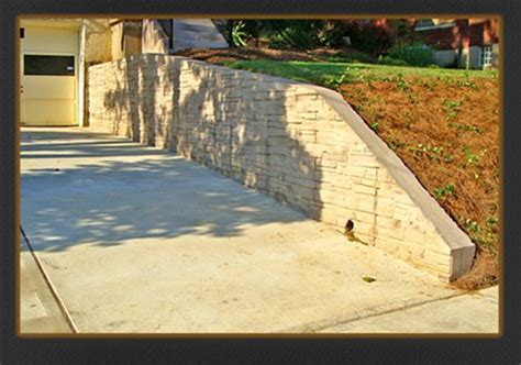 poured concrete retaining wall ingeflinte