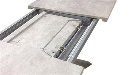 table beton de salle 224 manger effet b 233 ton et pied inox