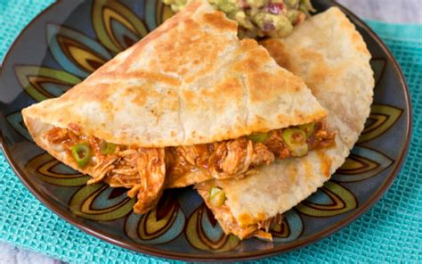 15 chicken quesadilla recipes you should make for dinner soon