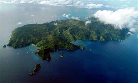 coco island scuba diving in cocos island costa rica