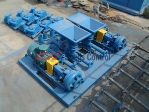 mud pump in oil drilling field