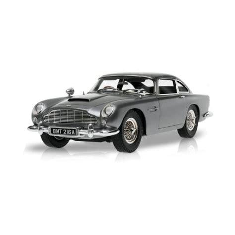 Bond Goldfinger Aston Martin 124 wheels elite bond s aston martin db5 from