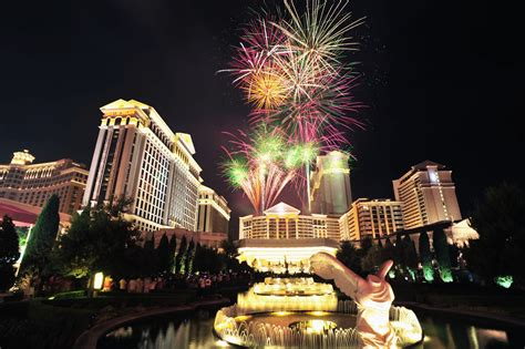 new year 2016 las vegas events ring in 2017 with caesars entertainment las vegas hotels