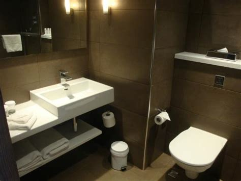 uk bathrooms reviews bathroom picture of radisson blu hotel manchester