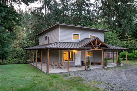 Cabins In Forks Wa by Grand Luxurious Cabin With River Views In Washington