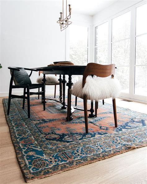 dining room trend     large area rug