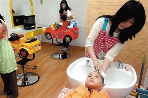 Kursi Salon Anak anak anak juga bisa rileks di salon spa