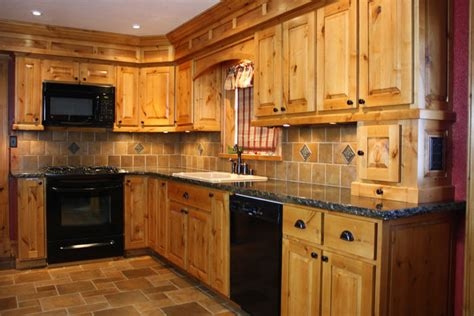 Kitchens With Maple Cabinets by Alder Amp Knotty Alder Inspirations Reeds Custom Cabinets
