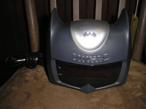 batman projection am fm radio alarm clock by station toys
