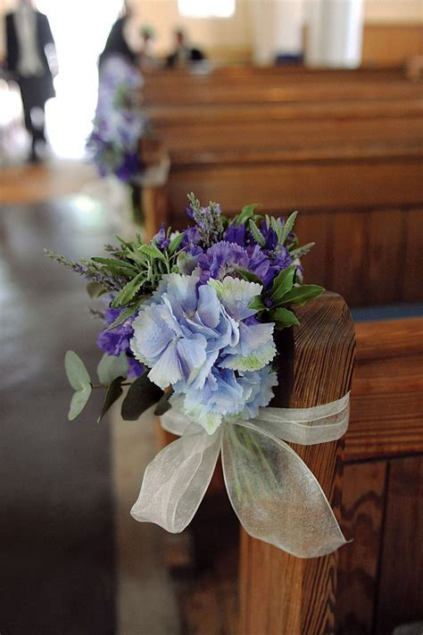 Church Pew Decorations   be sure to give hydrangeas a