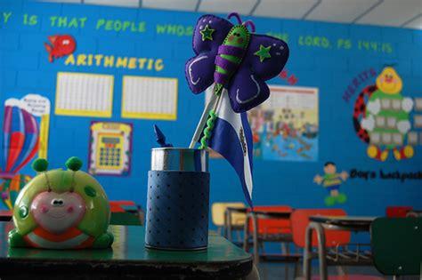 ideas para decorar un salon de clase de espanol como decorar un salon de clases de segundo primaria imagui