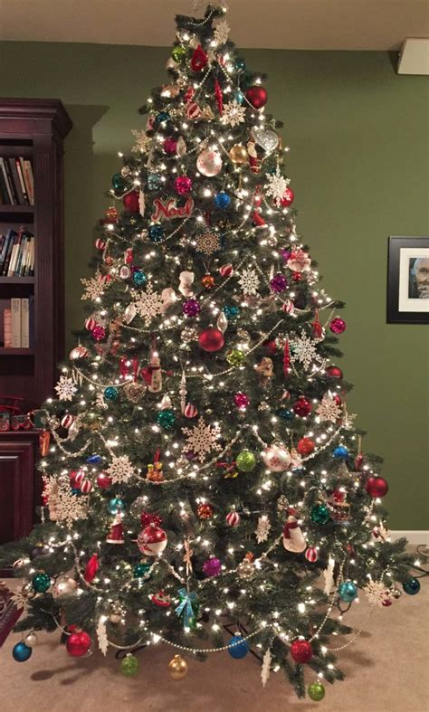 photo of the most beautifully decorated christmas tree 19 steps to a perfectly decorated tree