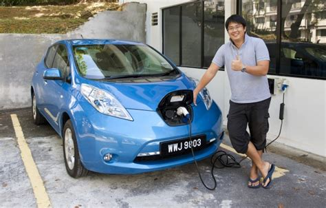 nissan b12g nissan leaf test drive review six weeks with an ev