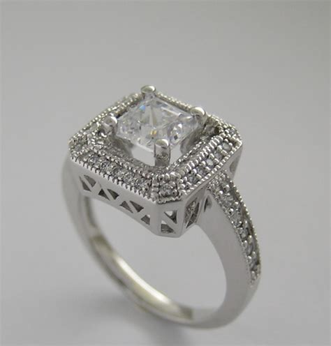 princess cut engagement ring setting with square