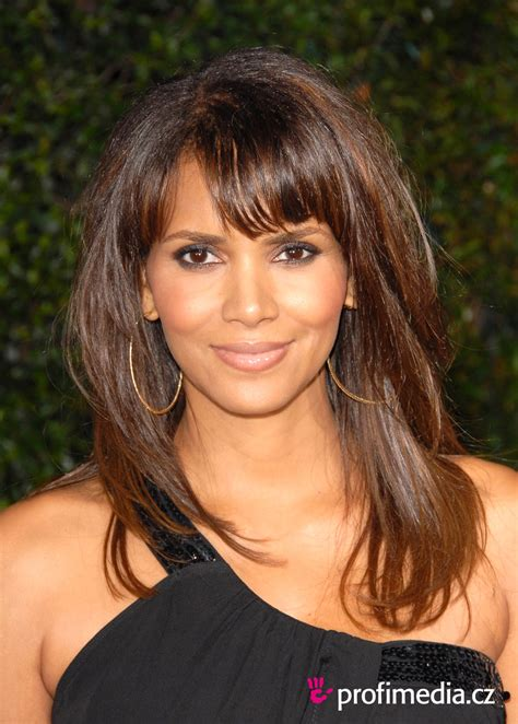 ucesy layers 30 layered hairstyles with bangs which looks perfect