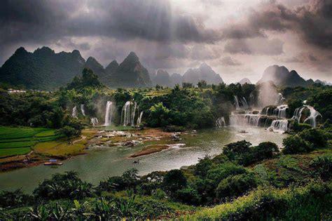 ShowMe Nan: Detian Waterfall   Guangxi China