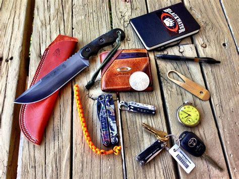 every day carry gear 1597 best images about edc every day carry on