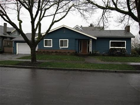 ranch style trim too dark of a blue what not to do blue ranch house