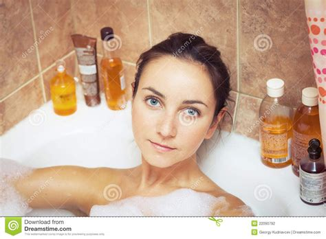 how to make foam in bathtub woman in bathtub full of foam stock photo image 22090792
