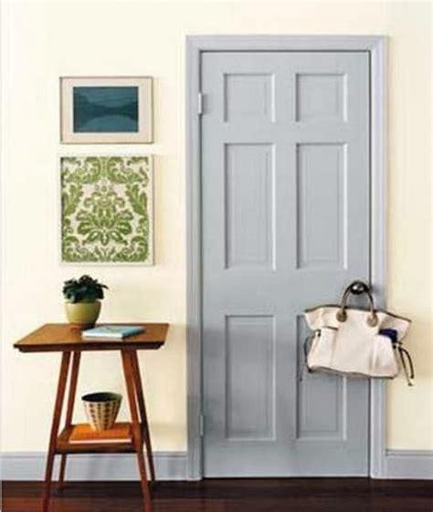 сочетание цветов пола и дверей