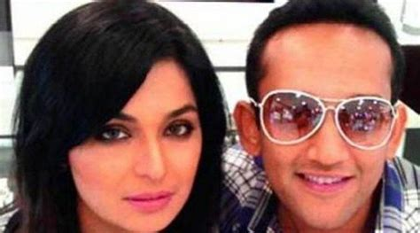 actress meera actor pakistani actor meera and captain naveed to tie the knot