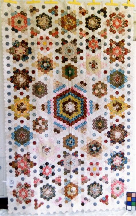 Hexagon Patchwork Projects - 202 best quilts paper piecing images on