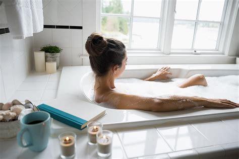 soak in bathtub 10 small tubs that are totally soak worthy