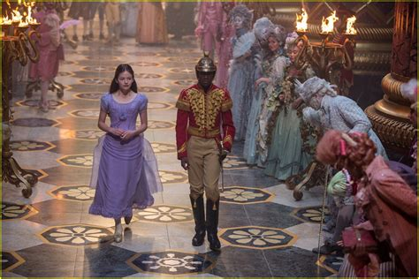 disney s the nutcracker the four realms debuts teaser trailer watch now photo 4002985