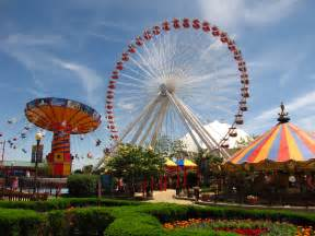 Theme Park Carousels Courtyards And Chicago S Skyline Magpie Tales