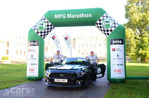 mustang 5 0 mpg new ford mustang with 5 0 litre v8 wins fuel economy award