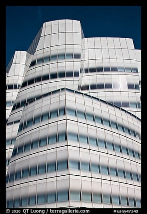 picture photo frank gehry designed iac building nyc new