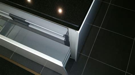 nieburg keukens showroomuitverkoop nl nieburg 52503