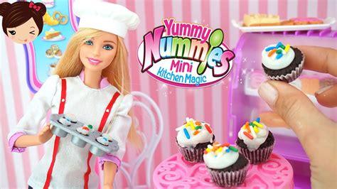 ver juegos de cocina barbie cocina pasteles de verdad con yummy nummies juego