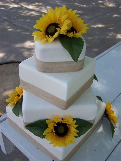 Cake A Licious: Sunflower & Burlap Wedding Cake