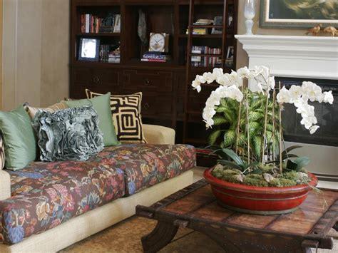 Patterned Sofas Hgtv Floral Living Room Furniture