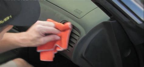 Cleaning Car Interior Vinyl by How To Clean Your Car Leather And Vinyl Interior 171 Maintenance
